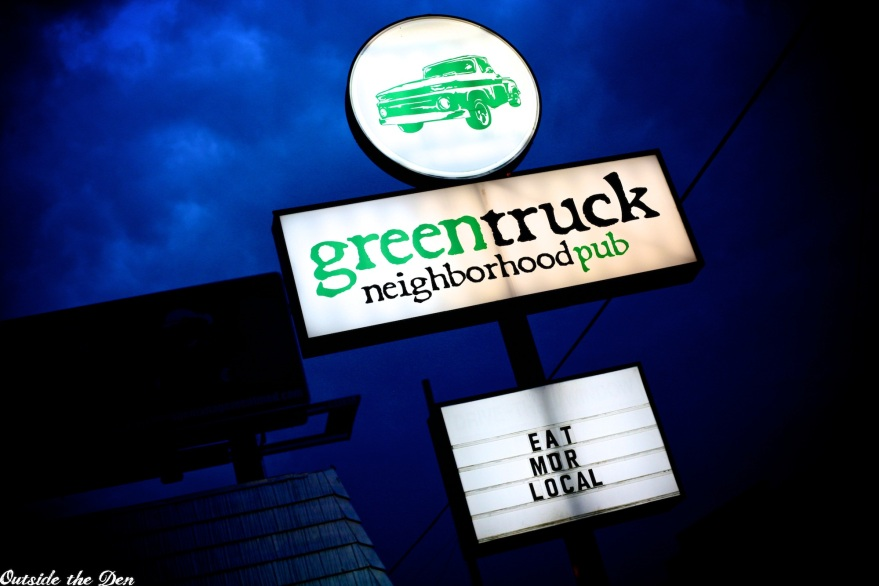 Green Truck Pub / Savannah, Georgia / OutsideTheDen.com